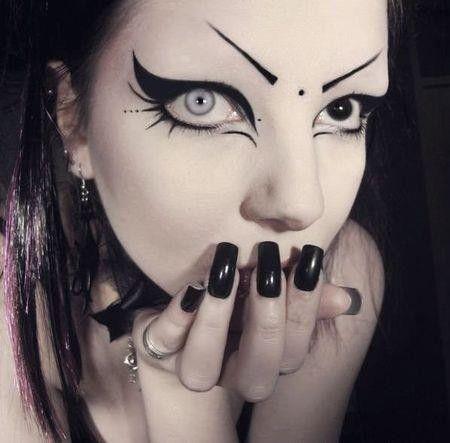 maquillage femme gothique. Black Bedroom Furniture Sets. Home Design Ideas
